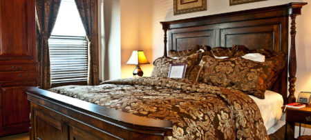 Admirable Romantic Jacuzzi Suite For Getaways In St Louis Home Interior And Landscaping Ferensignezvosmurscom
